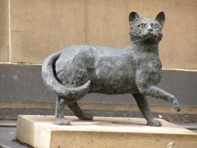 Statue of Trim